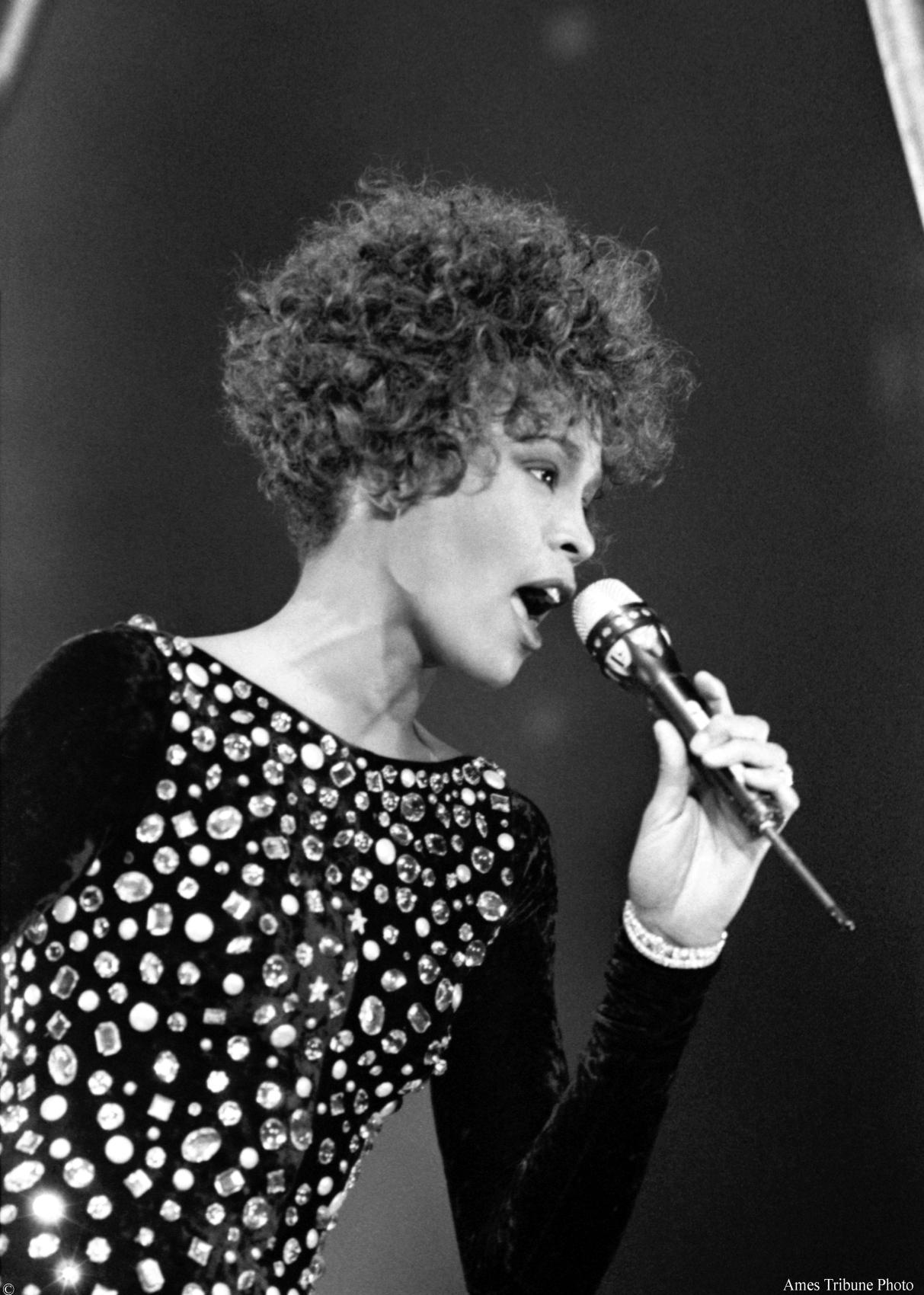 Whitney Houston – I'm Your Baby Tonight Lyrics   …